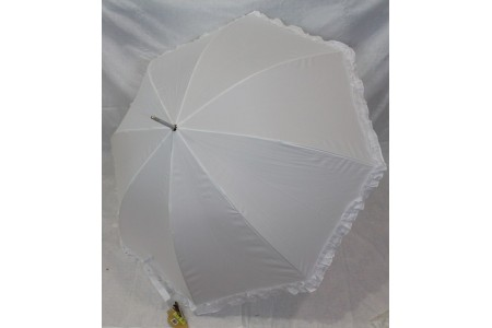 белый зонт с рюшей